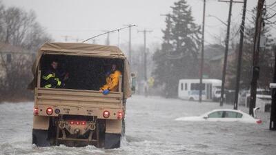 Poderosa tormenta invernal que azota al noreste del país con fuertes vientos y lluvia deja al menos siete muertos