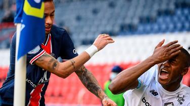 ¿Habrá castigo? Neymar se pelea en el túnel de vestuarios