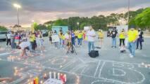 Colombianos en Raleigh encienden velas en solidaridad con su país natal