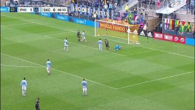 Alejandro Bedoya pone medio gol y Jay Simpson la manda a guardar, Philadelphia 2-0 Sporting KC