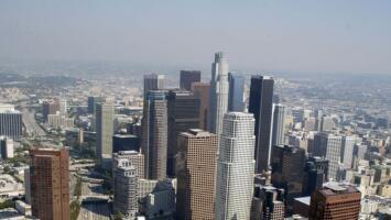 Cielos parcialmente nublados y posibilidad de llovizna ligera para este viernes en Los Ángeles