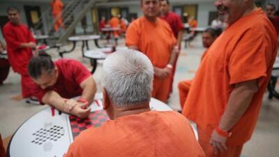 ICE en crisis: en vilo su contrato con el centro de detención para migrantes más grande en California