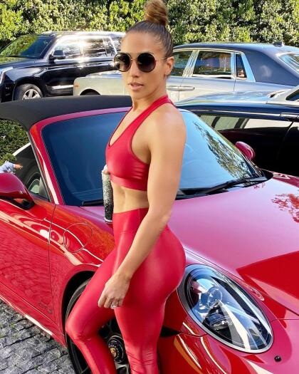 A sus 51 años, Jennifer Lopez es sinómino de pasión y sensualidad.