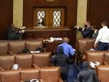 Caos y violencia en el Capitolio: la foto que muestra un EEUU nunca visto