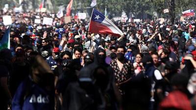 """""""Hay un factor mundial detrás de esto"""": experto analiza violentas protestas en algunos países latinos"""