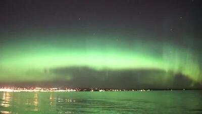 De azul, verde y amarillo se vio el cielo en Minnesota por la Aurora Boreal
