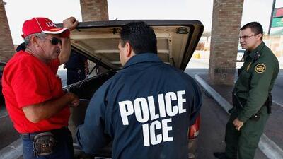 ICE desclasifica documentos que revelan cómo vigilan redes sociales y localizan autos de indocumentados
