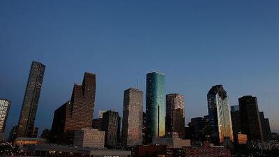 Condiciones estables y cielos mayormente despejados para la tarde y noche de este lunes en Houston
