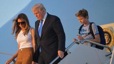 En video: La llegada de Melania y Barron Trump a la Casa Blanca