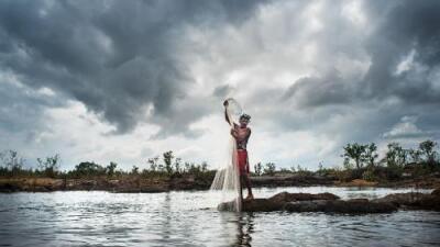"""Una comunidad de la Amazonía teme el impacto de una """"monstruosa"""" mina de oro"""