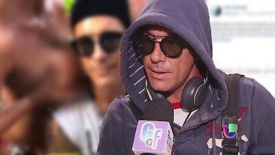Con lentes de sol y capucha bajo techo: Fernando Carrillo se defiende por la foto con mujeres toples que publicó