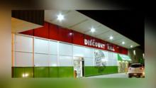 ¿Por qué el Discount Mall es tan simbólico en La Villita? Vendedores y compradores lo explican
