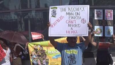 Con audios de niños llorando: manifestantes irrumpen en foro de Amazon en Nueva York para exigir que termine sus vínculos con ICE