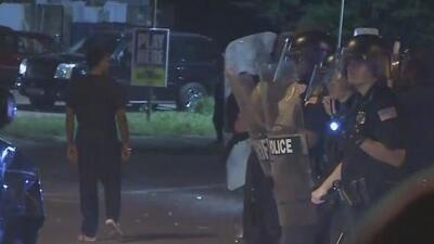 Caos en vecindario de Tennessee: residentes y policías se enfrentan tras un operativo de agentes federales