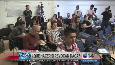 Beneficiarios de DACA esperan con angustia el futuro de este beneficio