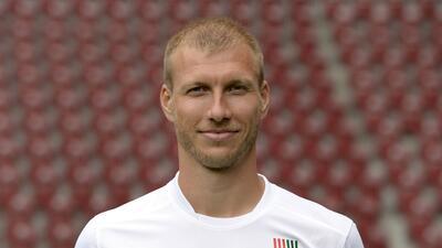 Liverpool ficha al defensa estonio Ragnar Klavan del FC Augsburg