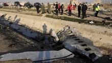El momento en que el avión ucraniano se estrella tras el despegue del aeropuerto de Teherán