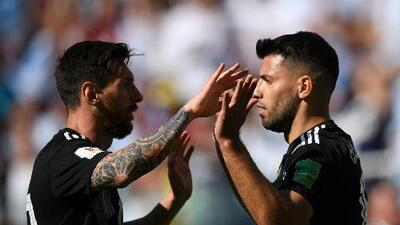 """Agüero sale a la defensa de Messi: """"Ama a la selección argentina"""""""