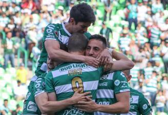 En fotos: Santos Laguna vence al Querétaro en el debut de su nuevo técnico