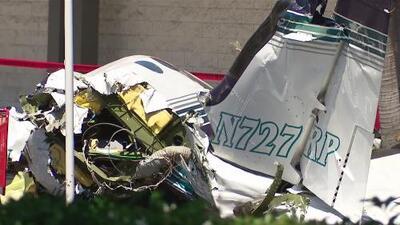 Una avioneta se estrella cerca de un centro comercial en California y deja cinco muertos