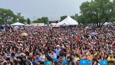 Asistentes comentan de lo que más disfrutan en el festival de El Bueno, La Mala y El Feo en Chicago