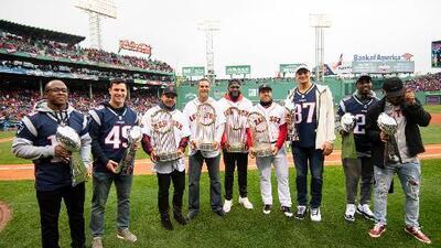 Red Sox celebran última Serie Mundial acompañados por los Pats en el Opening Day