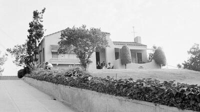 Un 'cazafantasmas' compra en $2,000,000 la casa donde la secta Manson asesinó a una pareja en 1969 (fotos)