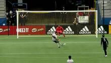 Fredy Montero vence al portero desde el manchón penal y los Whitecaps abren el marcador