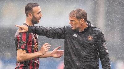 Frank de Boer desglosa como detendrá Atlanta United a Carlos Vela