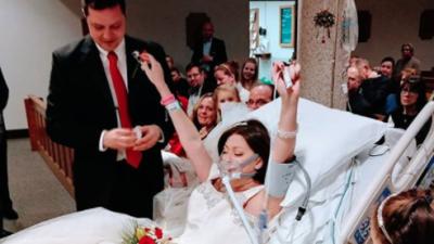Una mujer enferma de cáncer se casa horas antes de su muerte