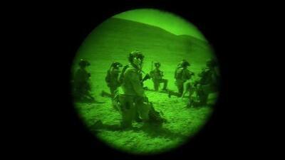 Un video de visión nocturna captura la incursión estadounidense para matar combatientes de ISIS