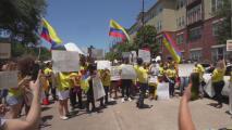 """""""No podemos ser indiferentes"""": colombianos en Houston protestan en contra del abuso policial y el gobierno de Iván Duque"""