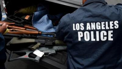 La venta ilegal de armas de fuego: el negocio paralelo de policías en California