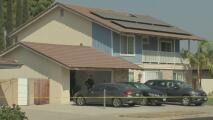 Un padre y sus dos hijas son encontrados muertos en Placentia: investigan el caso como homicidio-suicidio