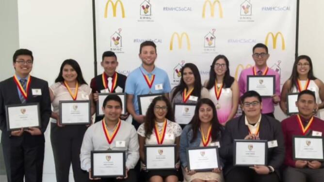 El futuro de nuestros jóvenes hispanos es importante y junto a McDonald's seguimos #UnidosPorLosNuestros