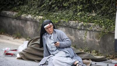 En el pueblo de las 100 iglesias, la cara del terremoto es una religiosa ensangrentada