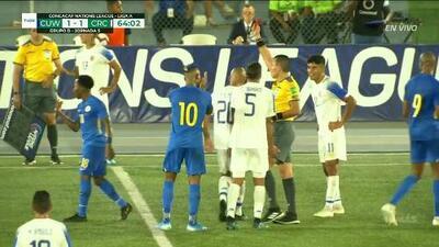 ¡Tarjeta Roja! Ricardo Blanco recibe la segunda amarilla y se va del juego