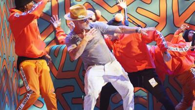 Aunque no lo creas, Gianluca Vacchi ensaya sus bailes... tenemos las pruebas