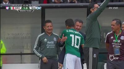 Giovani dos Santos marcó el 1-0 de México sobre Escocia