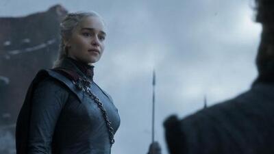 La botella plástica que salió en una escena de Game of Thrones, las críticas y la ayuda profesional que están ofreciendo a quienes no superan la serie