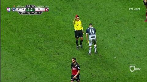 ¡Tarjeta Roja! Ignacio Rivero recibe la segunda amarilla y se va del juego