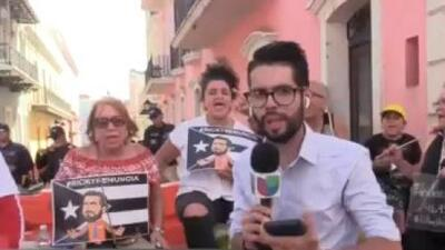 Manifestantes continúan afuera de Fortaleza pidiendo la salida de Rosselló