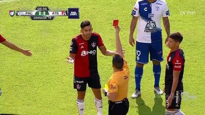 ¡Expulsión! El árbitro saca la roja directa a Andrés Andrade