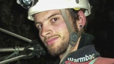 Rescatan de una cueva en Tennessee a buzo que ayudó a sacar a los niños de una caverna en Tailandia