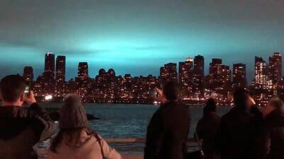 Vuelos cancelados y otras consecuencias provocadas por la explosión en una planta eléctrica en la Ciudad de Nueva York