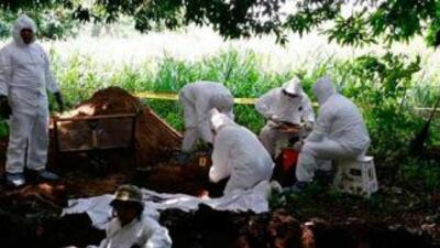 Peritos argentinos identificaron tres cuerpos de fosas en Guerrero