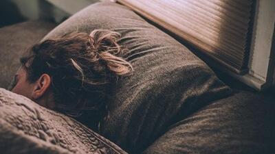 """Cosas que quizás no sabías sobre el sueño: el cerebro se """"limpia"""" a sí mismo mientras dormimos"""