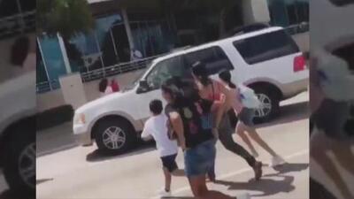 Pánico en el centro comercial Memorial City de Houston: investigan reportes de sonidos estruendosos similares a disparos
