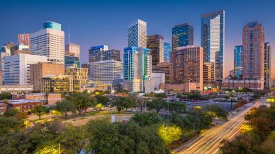 Esto es lo que debes ganar al año para ser feliz, si vives en estas ciudades de Texas, según un estudio