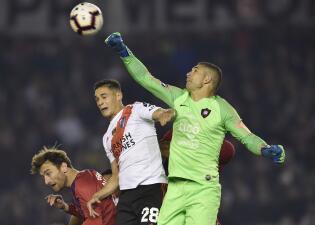 Juan Pablo Carrizo, ex Monterrey, cae con Cerro Porteño ante River en Libertadores